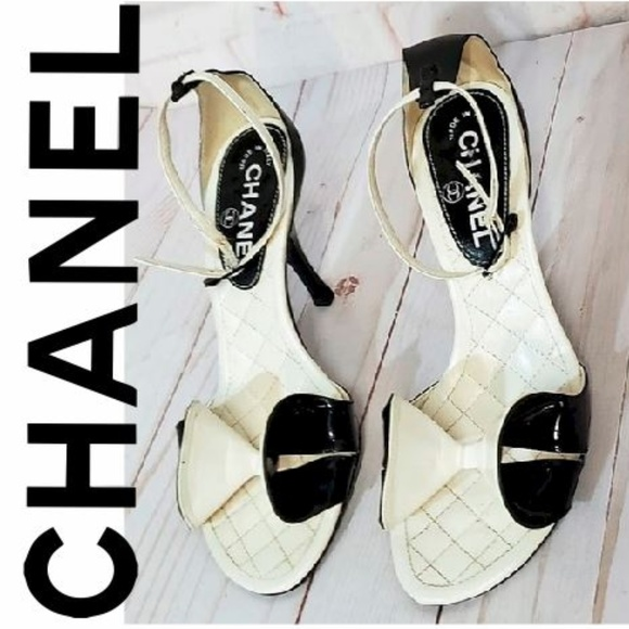 CHANEL Shoes - CHANEL AUTHENTIC BLACK LEATHER BOW HEELS SIZE 36